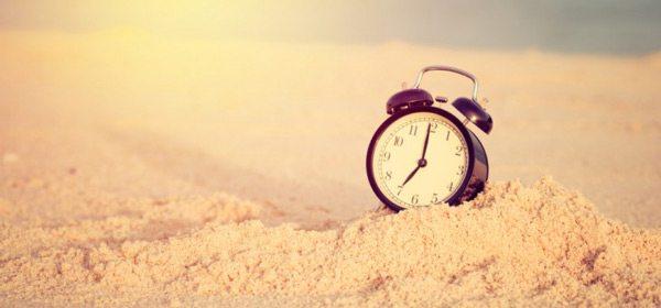 clock on sand